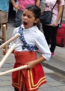 ילדה עייפה בחופש הגדול.למה לה מותר? צילום:עמיעד טאוב