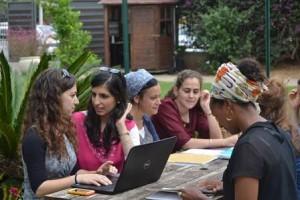 סטודנטיות במכללת תלפיות מעכשיו גם לתואר שני.צילום:באדיבות מכללת תלפיות