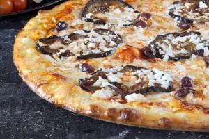 פיצה דון פרדו עם חצילים צילום אנטולי מיכאלו להשיג ברשת פיצה דון פרדו