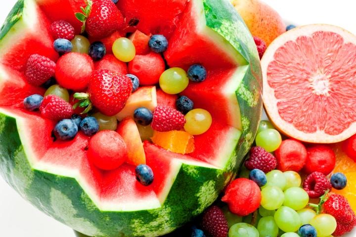 אילו פירות כדאי לשלב בתפריט שלכם בקיץ הקרוב?