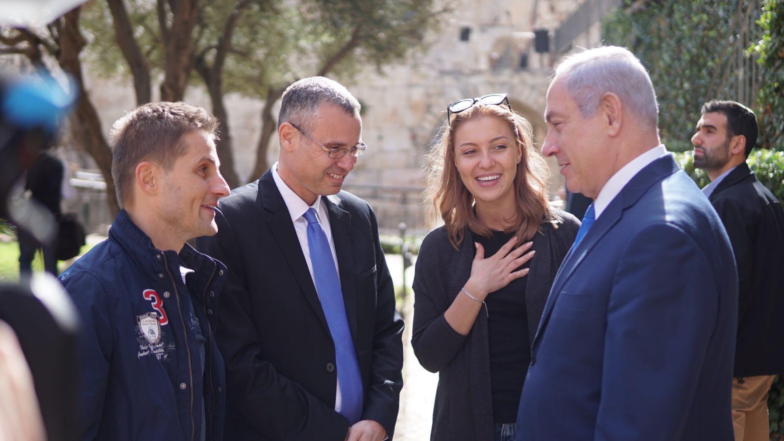 הפתעה לתיירת ה-3 מליון בישראל: סיור עם מדריך מיוחד במיוחד.