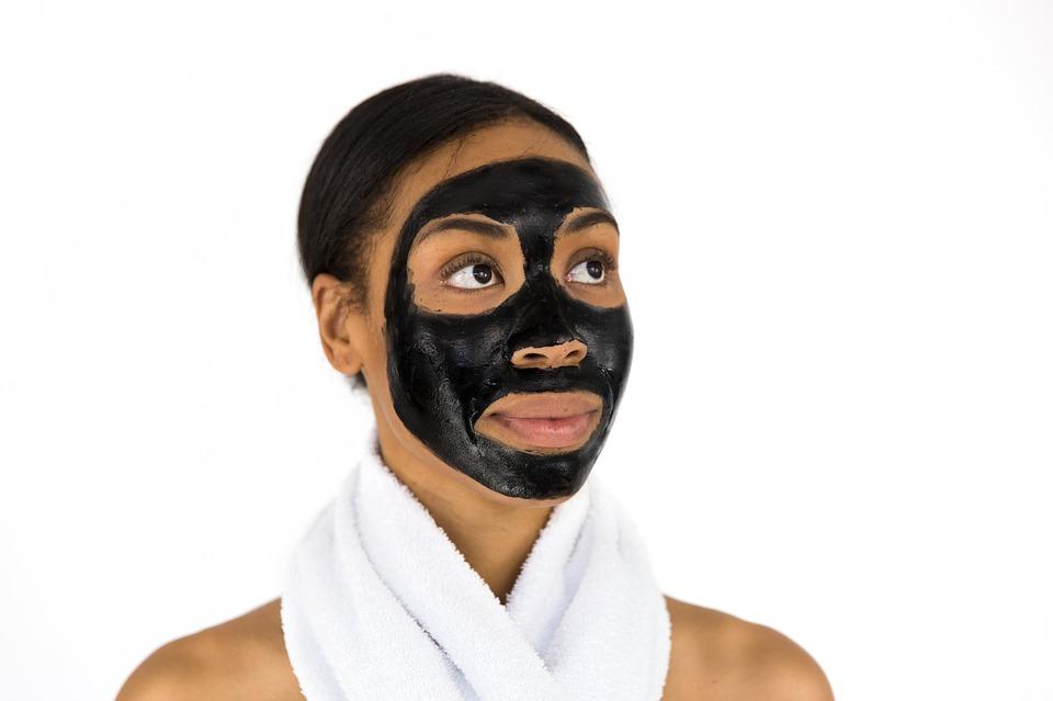 איך להפוך את עור הפנים לזוהר