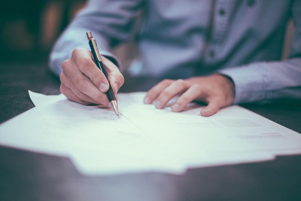 מה צריך לדעת לפני שחותמים על חוזה דירה