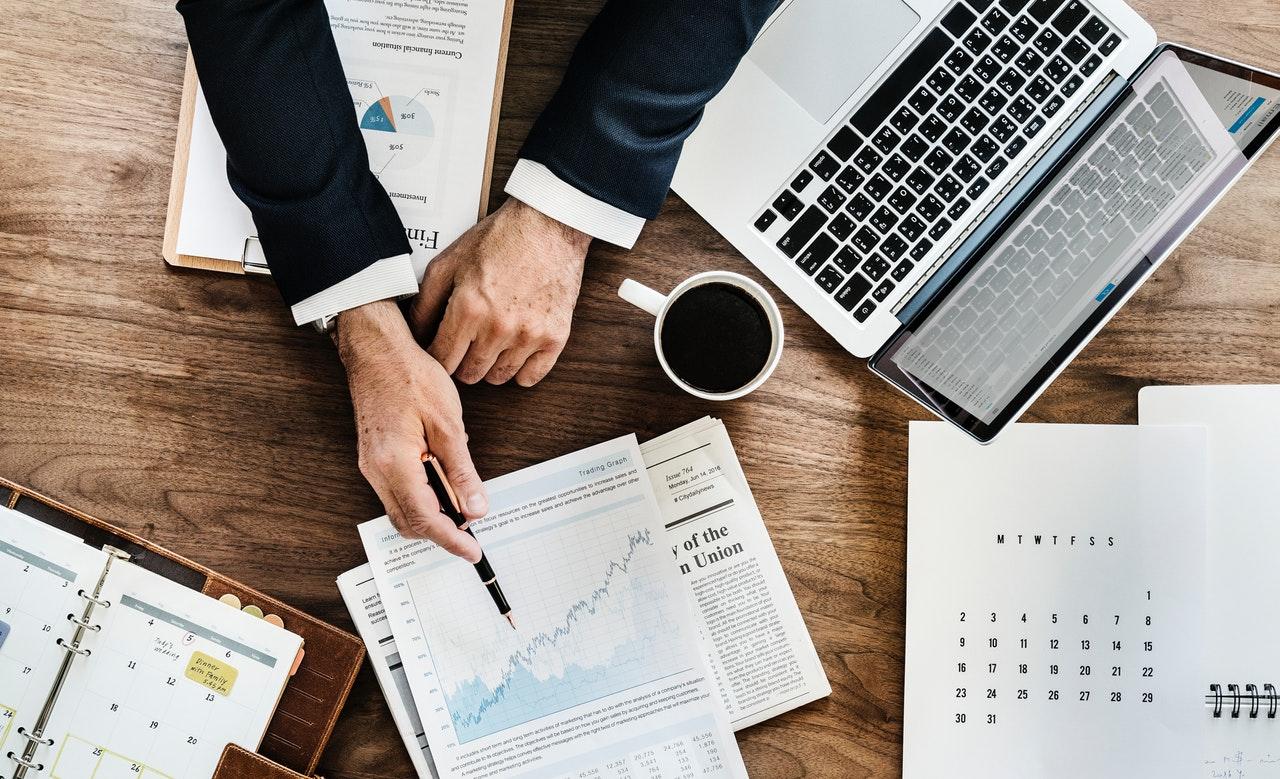 החלטות פיננסיות בריאות להתנהלות כלכלית נכונה