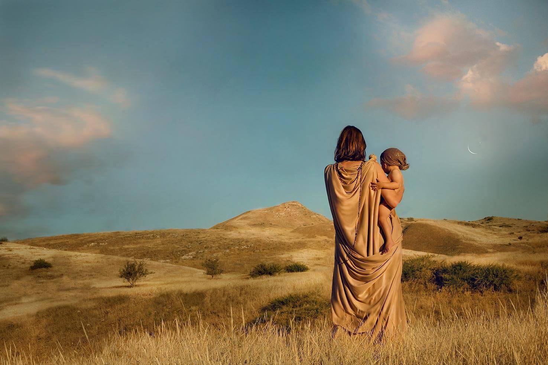 """ספר חדש: נשים בתנ""""ך – בנופי הגולן"""