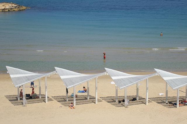 """המועצה לצרכנות: """"תכשירי הגנה מהשמש הם מוצר צריכה בסיסי. יש לסבסדם"""""""