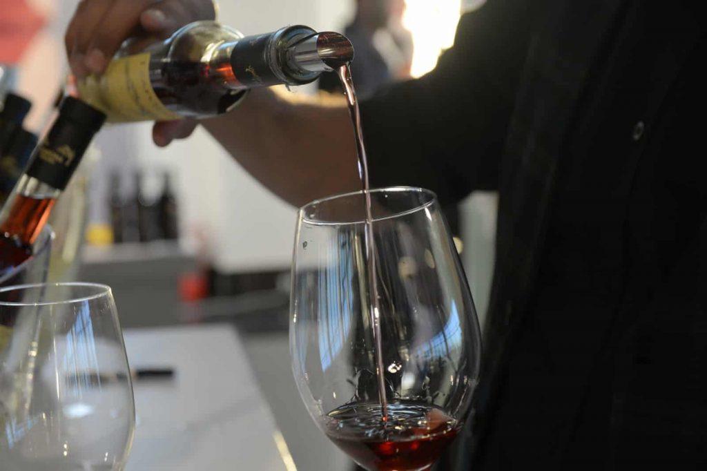 צור עולם של יין