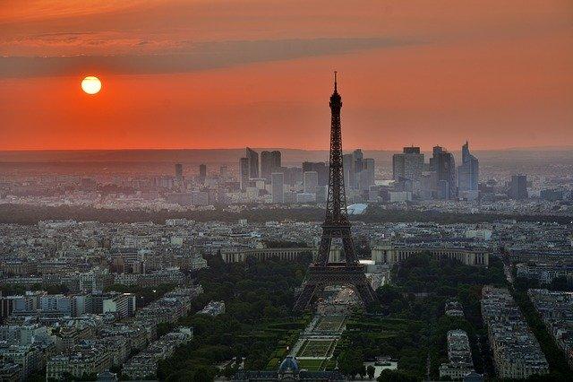 שקיעה על מגדל אייפל פריז