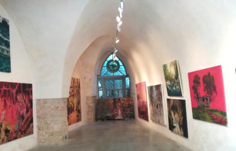 טרוטופיה- חוויה מעבר למקום ולזמן: תערוכה חדשה של שקד אביב, מרצה לאמנות במכללת תלפיות