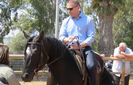 מתגייסים חדשים למשטרת ישראל: הסוסים שמשון, גל והוד